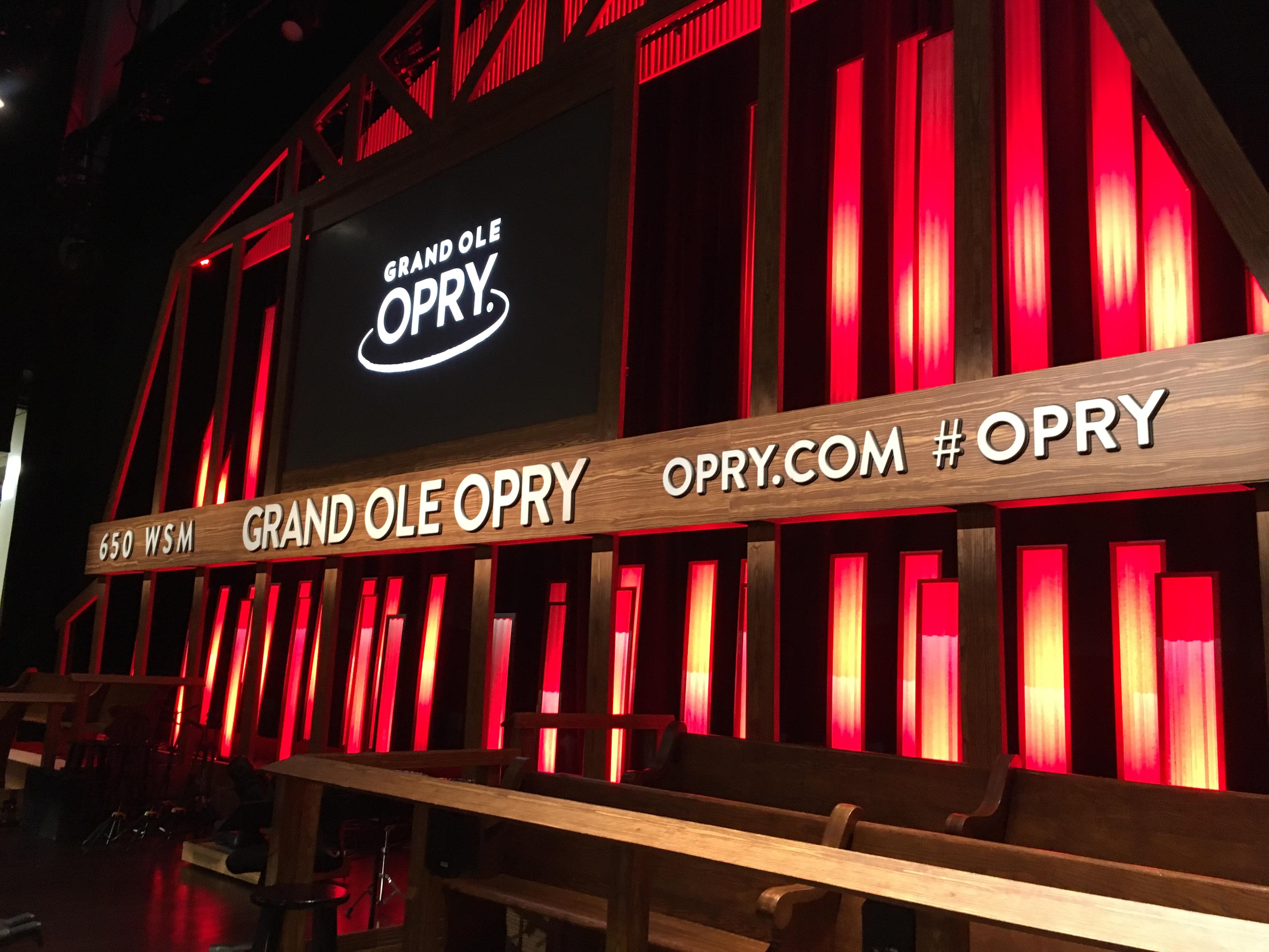 backstage-tour-grand-ole-opry-kids